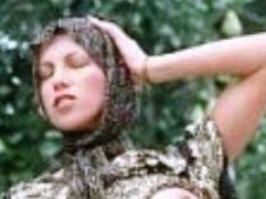 فيلم عربى يصور عشيقته الجميلة وتمص له فى الحمام + الصور
