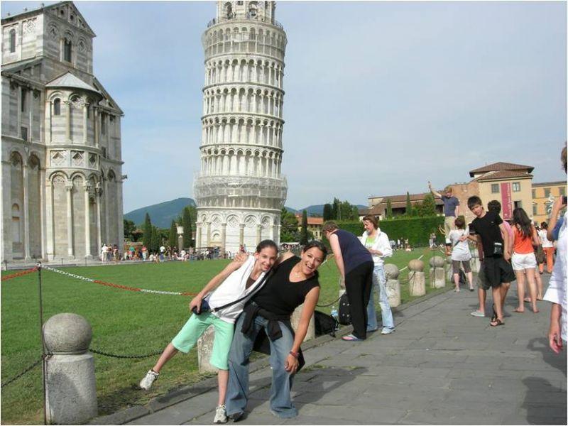 מיה ונעם במגדל פיזה