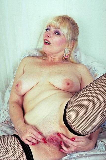 Romanian Big ass woman is having a hardcore anal sex