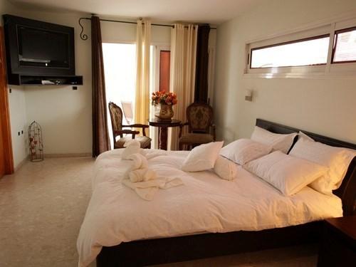 צימר, מלון, חדר, אירוח, אילת, שעה, לילה, דיסקרטי,